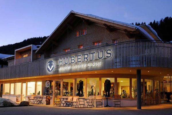 Hubertus Alpin Lodge & Spa @hotel_hubertus_alpin_lodge FeinGeist trifft ZeitGeist – in alpinen Höhen. ...