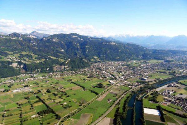 Wunderschön gelegen, am Fuße des Schlossbergs, liegt unser Hohenems! 👍😍👪😎🌹🚴♂️☘️ Foto: Luggi Müller ...