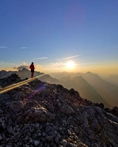 Beautiful evening. #auroralech #bergefürdieseele #mohnenfluhgipfel #mountainlovers #gooutandexplore #bergsommer Mohnenfluh Gipfel
