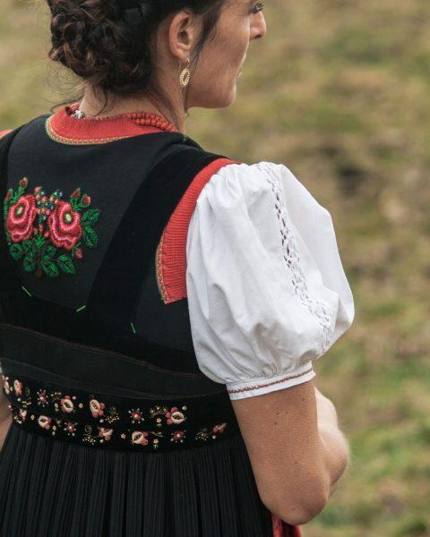 Die Quelle unserer Inspiration: Die Walser Tracht. 🌟 #walserART #mittelberg #kleinwalsertal #venividivorarlberg #urlaubinösterreich ...