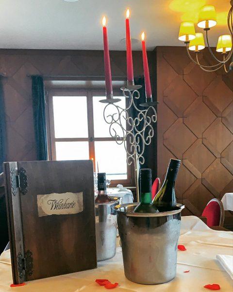 🍷 . Willkommen in der Weinwelt bei uns auf dem Gebhardsberg. . Wir ...