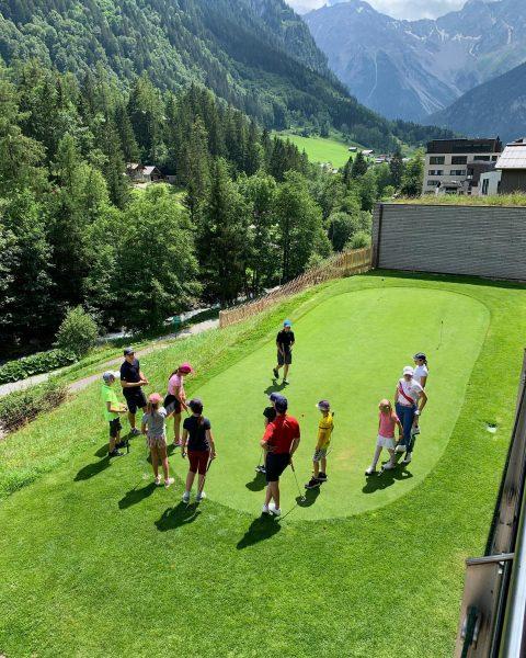 🏌🏽♂️⛳️ #venividivorarlberg #golf #brandnertal #alpingolf #brand #jugendcamp2020 Golf Club Brand - Golfpark mit ...