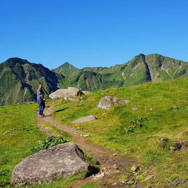 Waanzinnig mooie dag in de Alpen! #Kleinwalsertal #Walmendingenhorn #wandelen #AlpeStierhof #Baad #Mittelberg #blue ...