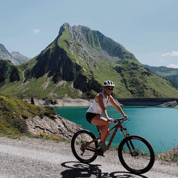 When in doubt, pedal it out 🚴♀️ . . . . . . . #sheandski #österreich #urlaubinösterreich...