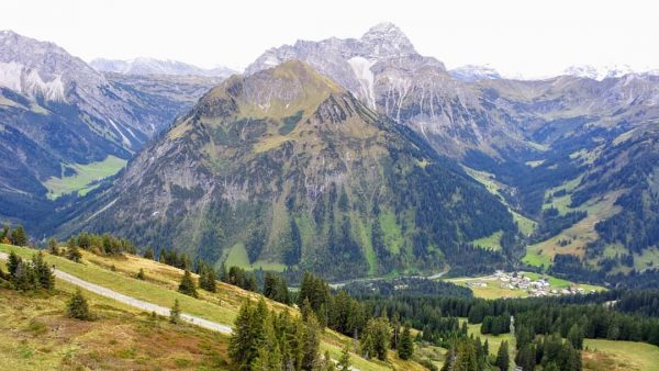 Heute wieder einmal ein Bild einer vergangenen #Bergtour mit @m.ascherfeld im #kleinwalsertal Hier ...