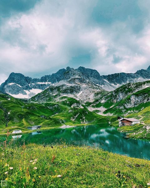 Alpen Panorama . . . . . . . . . . . . #lech #austria #mountians...