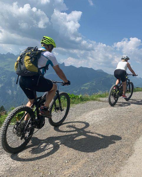 PRIVAT-GUIDE eine E-Bike oder Mountainbike Tour nach euren Wünschen! 💪 . #mehrwertmitguide #diebikeschulebregenzerwald #ourmissionisyourride #ebike #mehrwertmitguide #trailride...