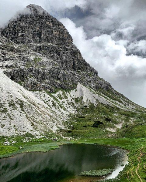🤩 #vorarlbergwandern #vorarlberg #visitvorarlberg #austria #weloveaustria #shotzdelight #moody_nature #hikingadventures #bergliebe #neverstopexploring #mountainlove #alpenvereinvorarlberg ...