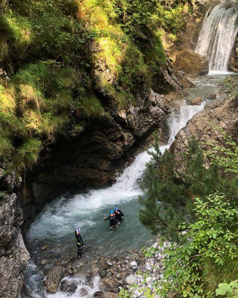 #rothenbrunnen #grosseswalsertal #gadental #buchboden #biosphärenparkgrosseswalsertal #nature #bergbach #canyoning #vorarlberg #austria🇦🇹 #österreich #venividivorarlberg Alpengasthof Bad Rothenbrunnen