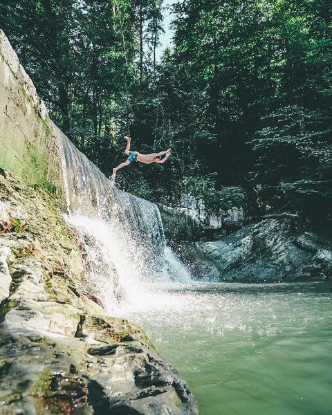 Gumpa Fritag 🏊🏼 enjoy the last days of vacation 🍻 #myaustria #moodygrams #exploreourearth ...