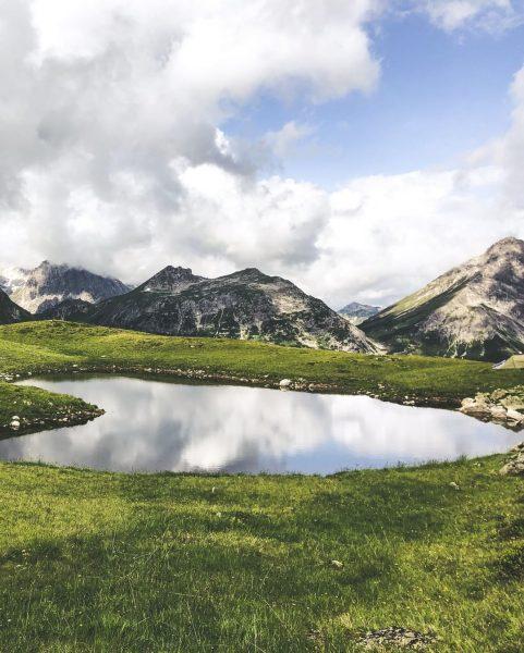 Am Wochenende geht es wieder bergauf! 😍⛰ #bergemitwow 📍💥 Unser Wandertipp: Der Golmer ...