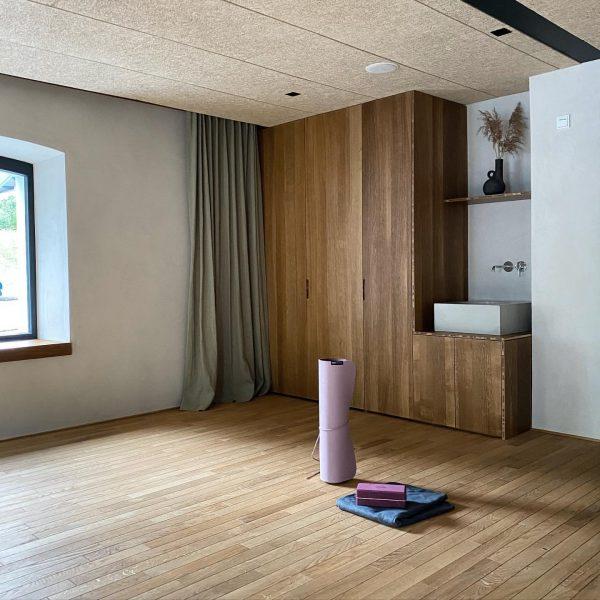 Yoga im Studio B im Hotel Bären: mehrmals wöchentlich offene Yogaklasse, Privatstunden auf ...