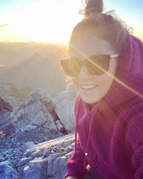 Früh aufstehen lohnt sich! 💕 #sonnenaufgang #mohnenfluh #gutenmorgen #urlaubdaheim #vorarlberg #wirlebenimparadies @lechzuers Lech, Vorarlberg, Austria