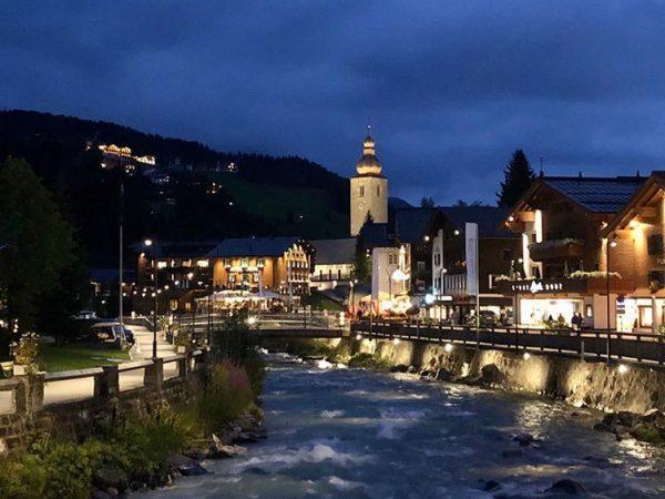 Ein romantischer Abend in unserem kleinen Paradies nach einem feinen Konzert #hotellech #arlbergclassicmusic #lovelech #mehrraummehrzeit #venividivorarlberg #visitvorarlberg...