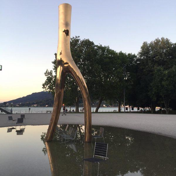 Direkt vor dem Festspielhaus in @visitbregenz steht diese tolle Skulptur. Ein Ausflug in ...