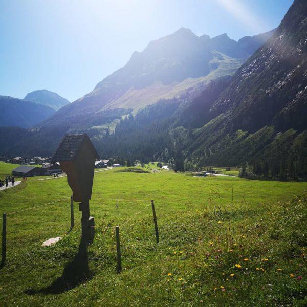 Traumwetter in den Bergen . . . #wandern #nature #berge #pensionschafberg Lech, Vorarlberg, ...