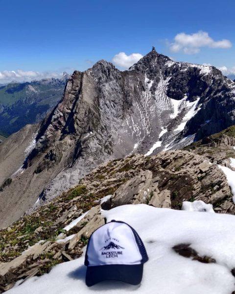 Traumhafter Blick auf die Valluga vom Trittkopf 😍. Enjoy these days! #trittkopf #backstubelech ...