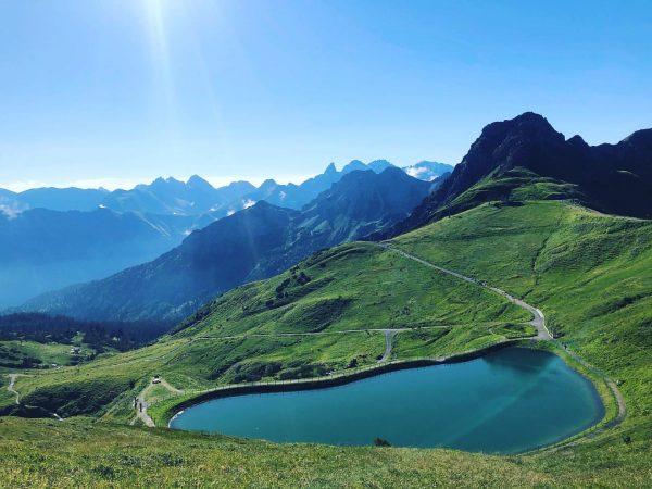 Früh morgens ❤️ . . . #frühmorgens #sommer #bergen #bergliebe #natur #see #kanzelwand ...