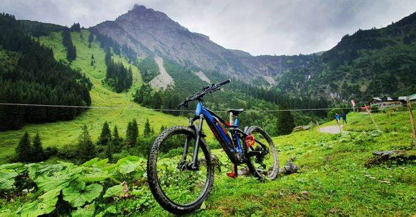 Today, mudsession💪 #flyer#flyerbikes#uproc4#emtb#mtb#fullsuspension#fully#electric#panasonic#shimano#rockshox#magura#discbrake#schwalbe#nobbynic#enduro#enduromtb#downhill#mountainbike#mountain#forrest#woods#trail#biking#mountainbiking#outdoor#uvex#kleinwalsertal#austria#mountains Gemsteltal