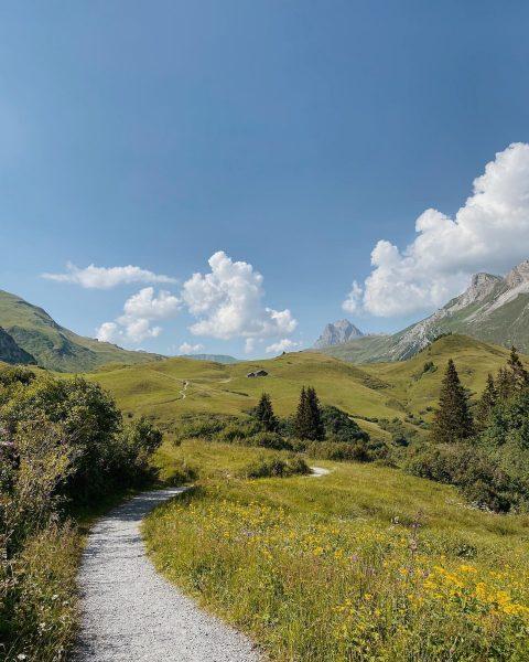 Wanderweg zur Gaisbühelalpe 🌞 Lech, Vorarlberg, Austria