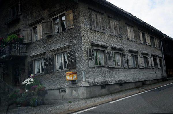 Ansichtskarten aufgeben #venividivorarlberg #bregenzerwald Hittisau