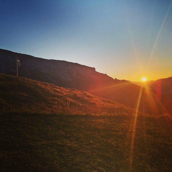 #GutenMorgenWelt #sonnenaufgang #kleinwalsertal #hoherifen #ifen #hüttentour #sonne #berg #berge #alpen