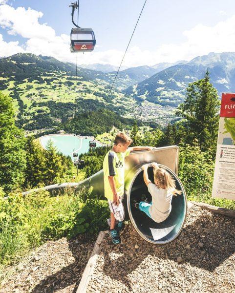 Bist Du bereit für den größten Rutschenpark Europas? 😍🚀 #bergemitwow 🏁 7 Unterschiedliche ...