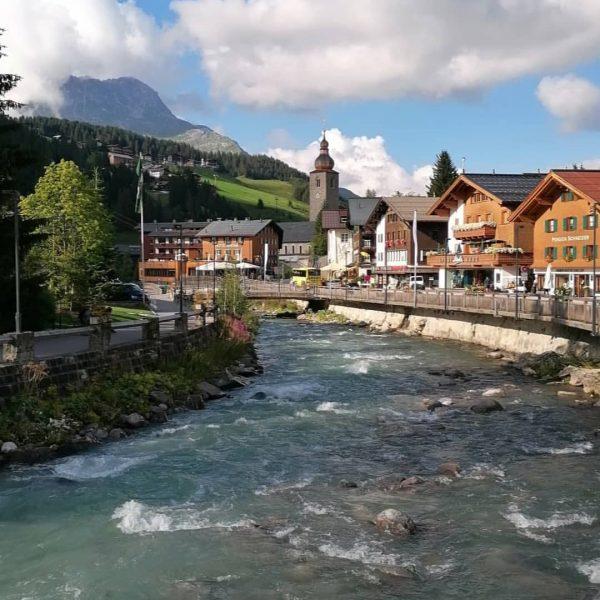 Lechweg Etappe 2 / Lech - Warth ........................................................................ #lechweg #lechtaltourismus #warthschröcken #lechamarlberg #weitwandern ...