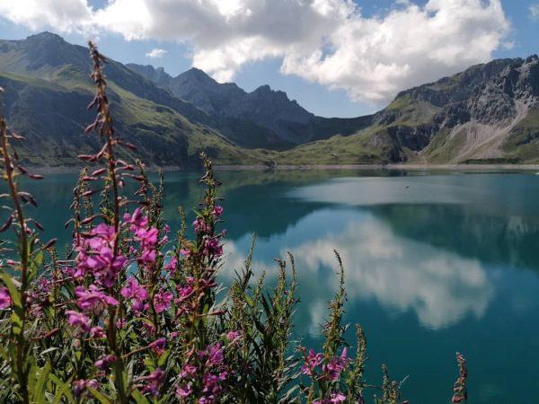 #lünersee #brandinvorarlberg #vorarlberg #myvorarlberg #visitvorarlberg #mountainlake #reflections #clouds #hiking #wandern #wanderlust #exploreaustria #discoveraustria ...