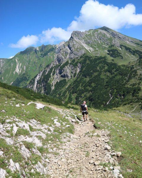 . #wandelen #wandeling #rondjelopen #rondjewandelen #hike #hiking #wandern #wanderlust #oostenrijk #vorarlberg #allgäu #kleinwalsertal ...