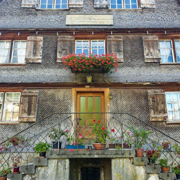 Ich liebe alte Häuser und ganz besonders Schindelhäuser. Bei meinem Besuch im Bregenzerwald ...