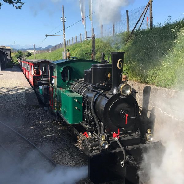 Bei traumhaftem Wetter ist sie wieder unterwegs - die Dampflokomotive St.Gallen - Widnau ...