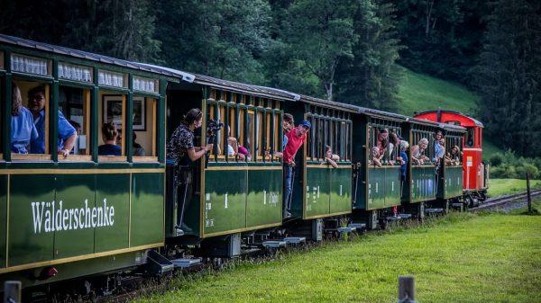 #wälderbähnle #bregenzerwaldbahn #museumsbahn #vorarlberg #visitvorarlberg #bregenzerwald #visitbregenzerwald #bezau #bezaubeatz #malwasganzanderes #schlachterphotography