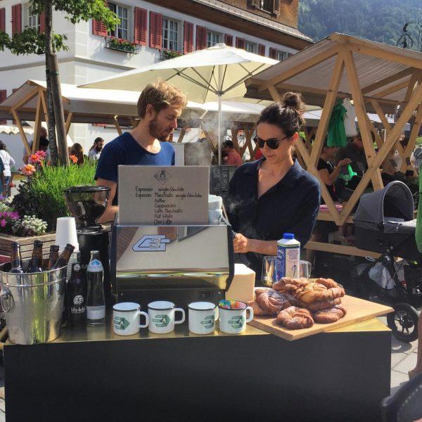 Der Bären Coffee Cart rollt wieder! Morgen Freitag auf dem Markt in Bezau ...