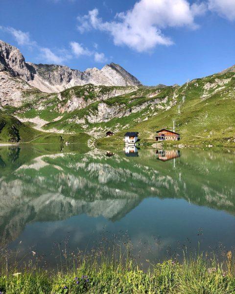 Der wunderschöne Zürsersee im Sommer...einfach nur WOW! 😍👏🏻⛰☀️ Zürser See