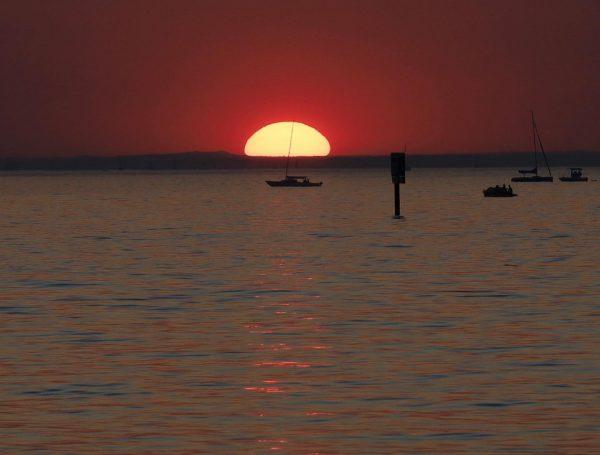 Abendsonne in der Bregenzer Bucht #Abendstimmung #Sonnenuntergang #bodenseeliebe #bodensee #bodenseebilder #bodenseeliebe #bodensee_de #bodenseekreis ...