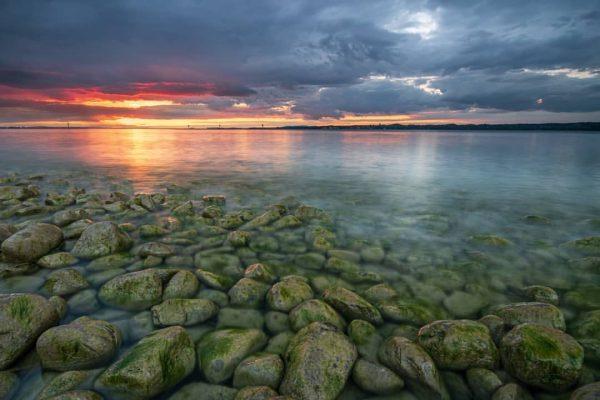 Sunset at lake of constance 💜💜💜 #visitvorarlberg #visitaustria #hey_ihadtosnapthat #got__greatshots #gottolove_this #landscape #yourshotphotographer ...