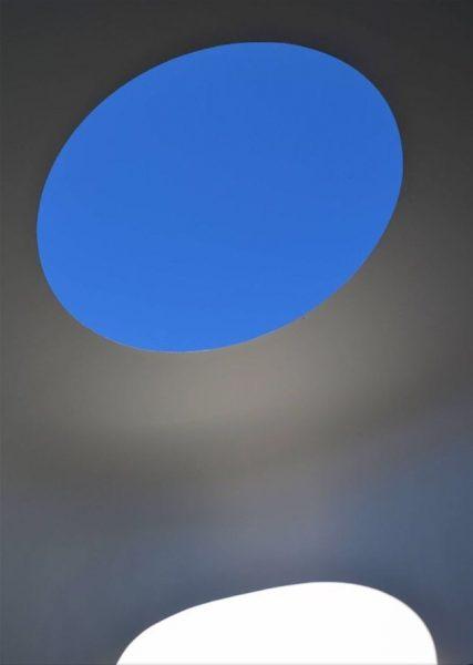 Wandern trifft Kunst: im Skyspace in Lech treffen sich Himmel und Erde, Licht ...