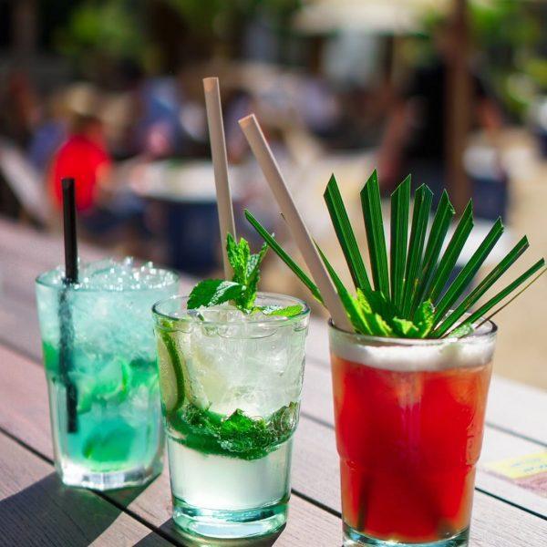 Mit wem würdest du diese Cocktails teilen?💛 Wir sehen uns bei unfassbarem Wetter ...