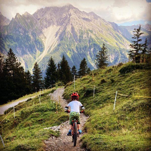 Beautiful & family friendly Parpfienz Trail - kudos to @bikeparkbrandnertal und @brandnertalbergbahnen #brandnertal ...