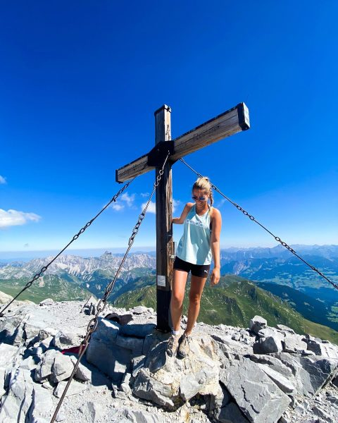 💙 HAPPY DAY 💙 #dreitürme #mittlererturm #kreuz #berge #montafon #lindauerhütte #sulzfluh #meinmontafon #meintraumtag ...