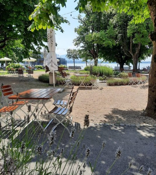Wir haben neue Möbel in unserem SEEgarten, von 12:00 bis 20:00 Uhr kannst ...