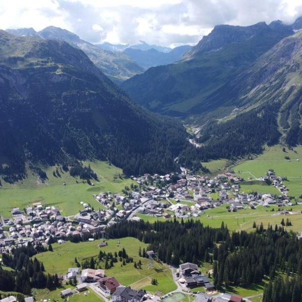 Die Gipslöchern in Oberlech - ein Naturparadies 😊 #lechamarlberg #pension #vorarlberg #austria #österreich ...