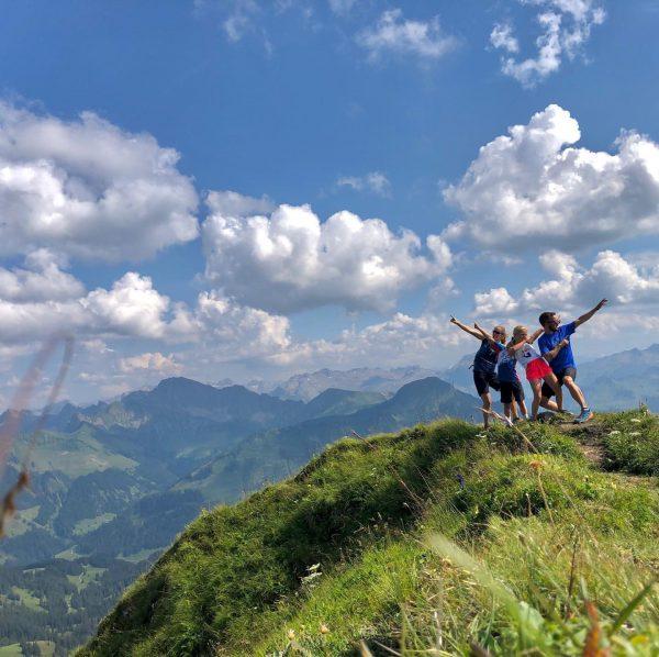 #aussicht #durchsicht #weitsicht #damülsermittagsspitze #mellaudamüls #bregenzerwald #diedamskopf #bergwelten #bergliebe #mountainview Damülser Mittagsspitze