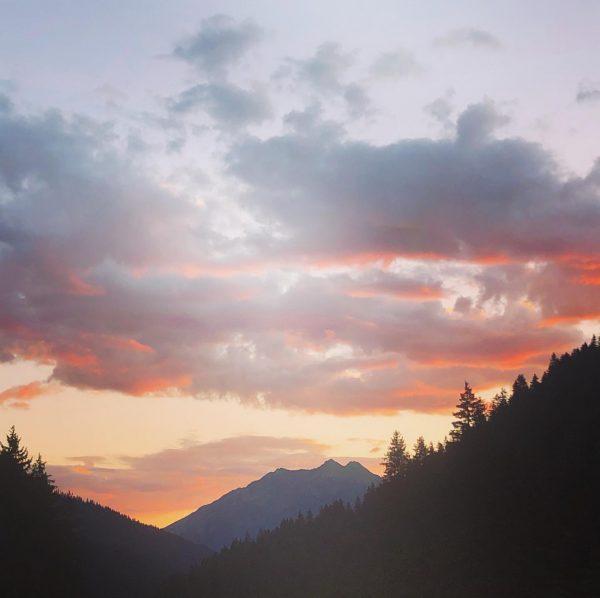 Guten Morgen! #gargellen #meinmontafon #sonnenaufgang #frühaufstehenlohntsich #landalhochmontafon #landalde #landalnl #bergen #feelaustria #visitvorarlberg #visitaustria ...