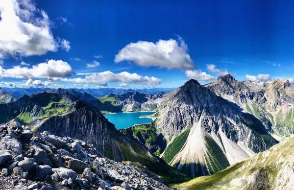 Lünersee, Schesaplana und Brandner Gletscher vom Saulakopf (2517m) aus gesehen. 😍 #saulakopf #lünersee ...