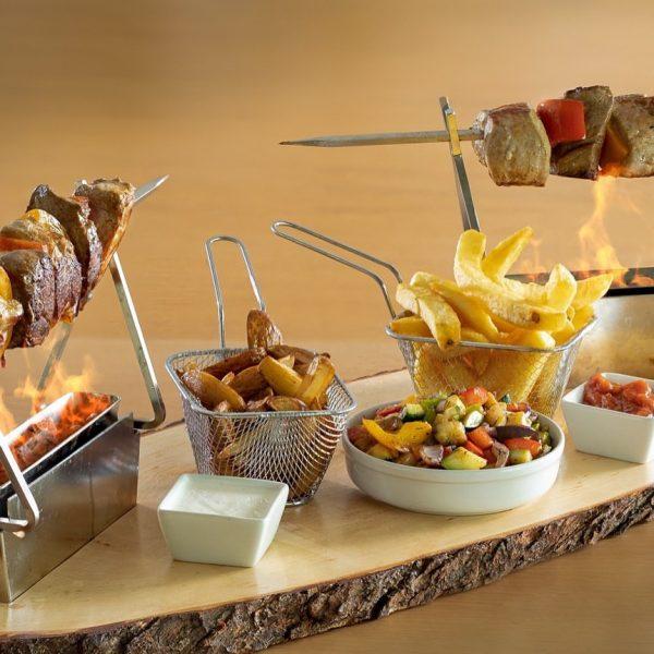 Hoch die Hände Wochenende 🙌🏻 Genieße dieses Wochenende unsern köstlichen BBQ-Spieß bei uns ...