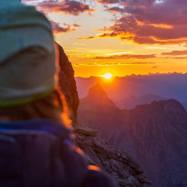 Good morning world... #sunrise #earlybird #earlymorning #goodmorning #goldenhour #mountains #mountain #zimba #morningmotivation #hike ...