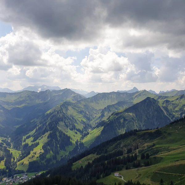 Berge pur #lieblingstal #lieblingsplatz #lieblingsweg #einfachschön #berge #bergliebe #bergsommer #kleinwalsertal #gipfelglück
