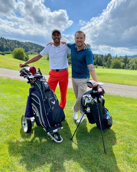 Ballin' today w/ @l_am_mike ⛳️ . #sundaygolf #bregenzerwald #callawaycrew #goodlife #lifeisgoodinthemountains Golfpark Bregenzerwald